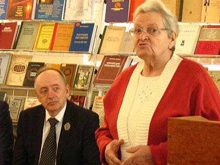 Автор книги, провідний бібліограф Канадсько-Українського бібліографічного центру Ганна Єфимова